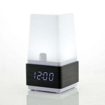 Часы-ночник с будильником и звуковой активацией черное дерево синие цифры